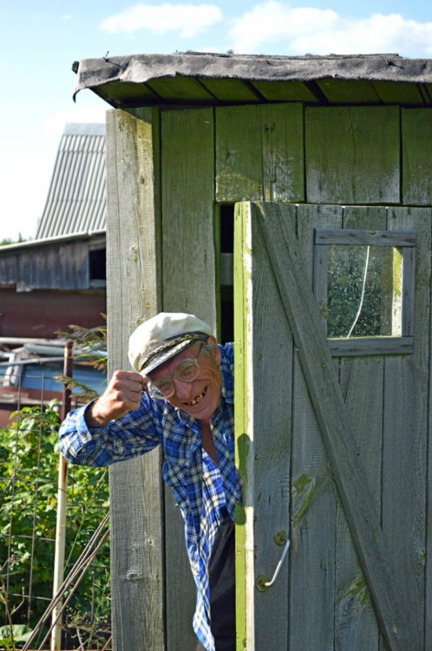 картинка дедушка на даче яичная духовке